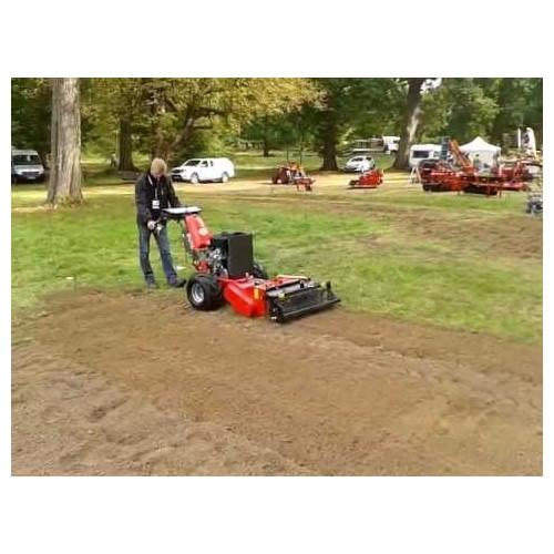 Porte outils 23 cv équipé d'un préparateur de sols