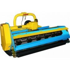 Tracteur 20 - 25 cv équipé d'une débroussailleuse à fléaux